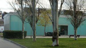 Imagen de fachada del Centro Sociocultural de Mayores de Ariznabarra.
