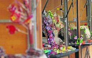 Mercado artesanía de las fiestas de la Virgen Blanca