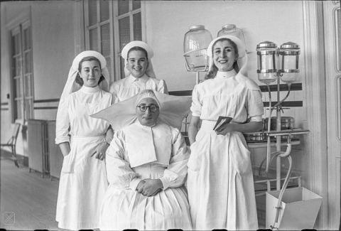 Enfermeras en el Hospital de Santiago