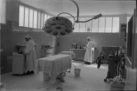 Religiosas enfermeras en el Hospital de Santiago