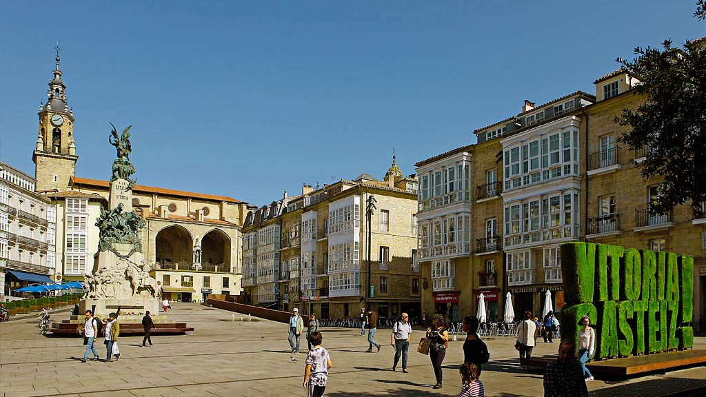 Turismo - Plaza Virgen Blanca