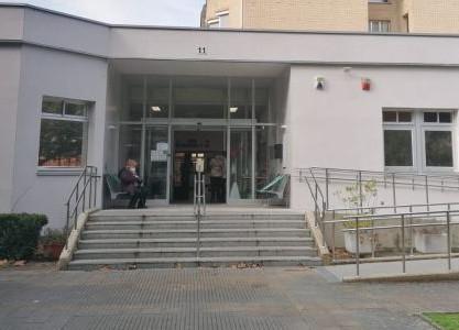 Imagen de fachada de Centro Sociocultural de Mayores Txagorritxu