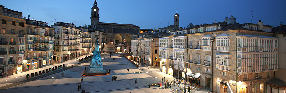 Vitoria-Gasteiz by night