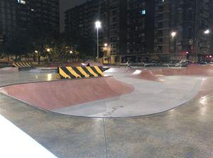 Imagen nocturna de la pista finalizada
